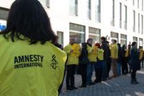 Amnesty Aktion in der Fußgängerzone